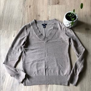 Oatmeal v-neck sweater from GAP - size medium